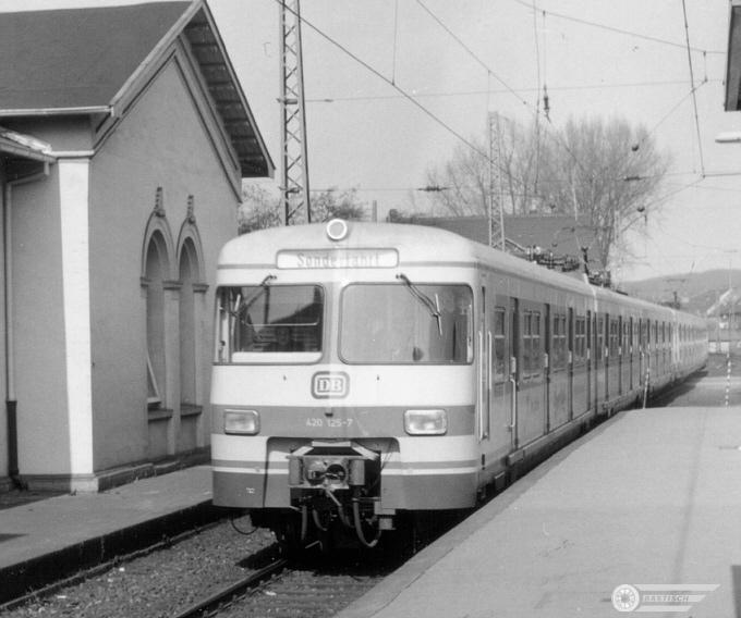 http://www.ostbahn.org/baureihen/420125_schulungsfahrt.jpg